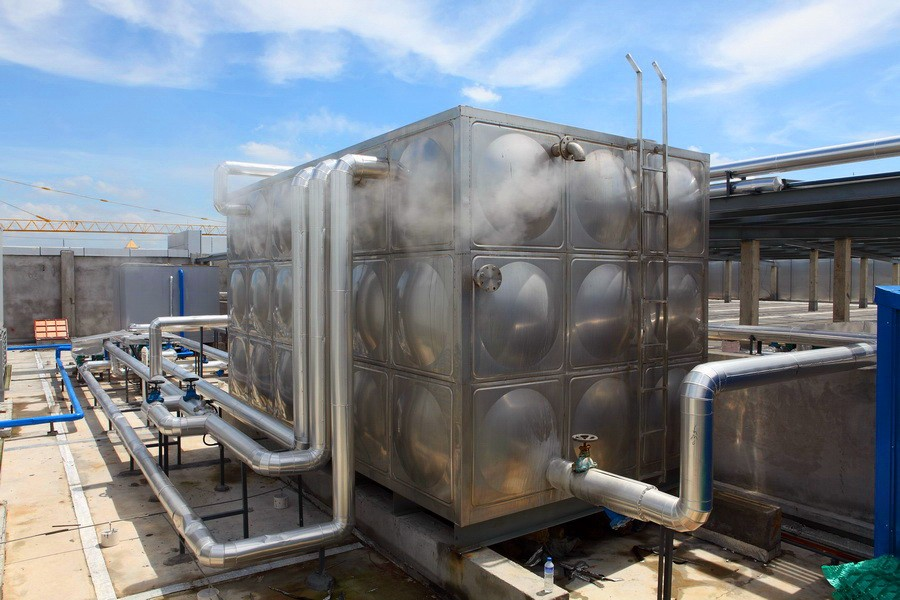 commercial solar hot water system tank